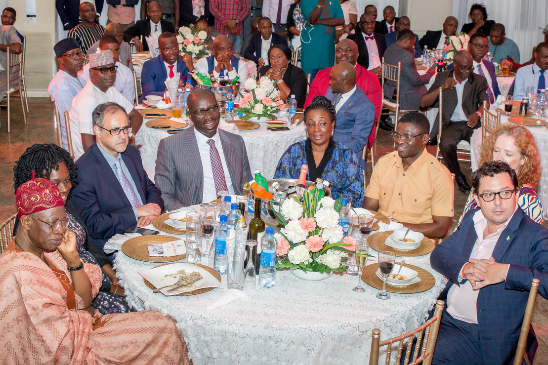 L-R: Minister for Information and Culture, Alhaji Lai Mohammed; Country Manager, International Finance Corporation (IFC), Nigeria Office, Eme Essien; World Bank Country Director for Nigeria, Rachid Benmessaoud; Edo State Governor, Mr. Godwin Obaseki; his wife Besty; Deputy Governor, Rt. Hon. Philip Shaibu; and others at the dinner organised by the state government for the World Bank and Bridge International Academy teams, at the Government House in Benin City.